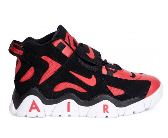 Nike Air Barrage mid red