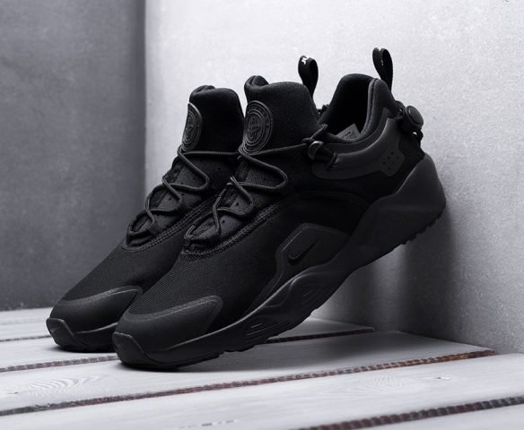 Nike Air Huarache City Move черные