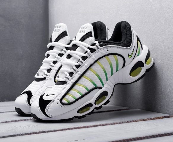Nike Air Max Tailwind IV белые
