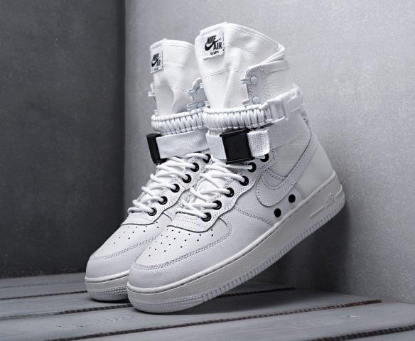 Nike SF Air Force 1 белые