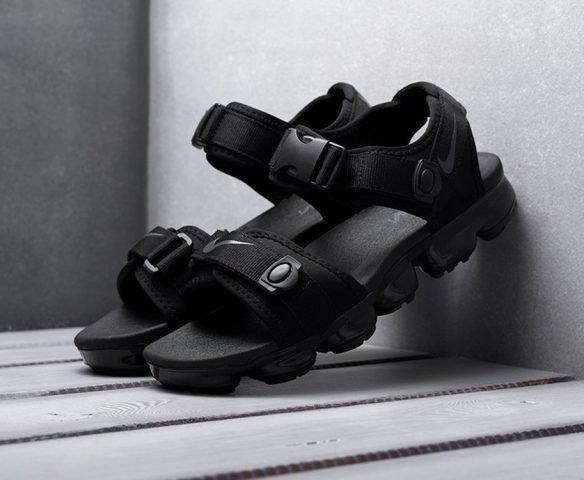 Сандали Nike черные