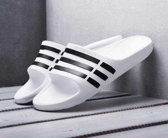 Сланцы Adidas белые