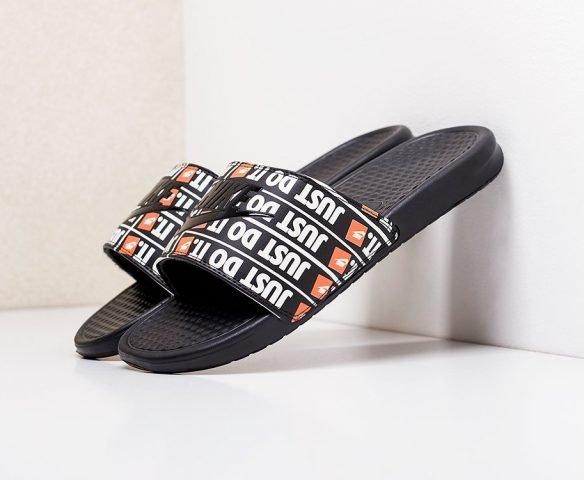 Сланцы Nike Benassi JDI черные