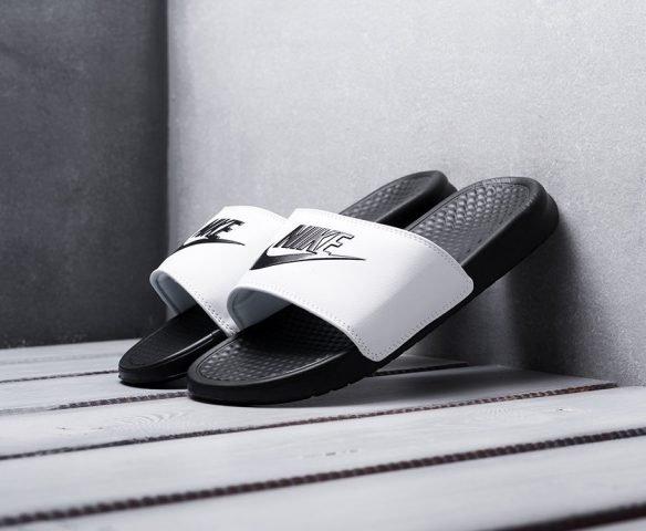 Сланцы Nike Benassi JDI черно-белые