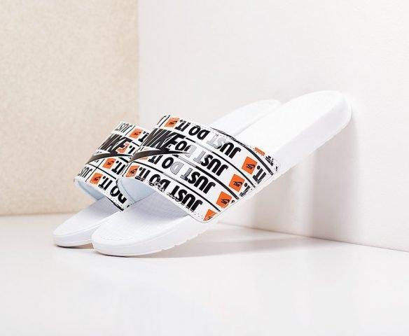 Сланцы Nike Benassi JDI белые