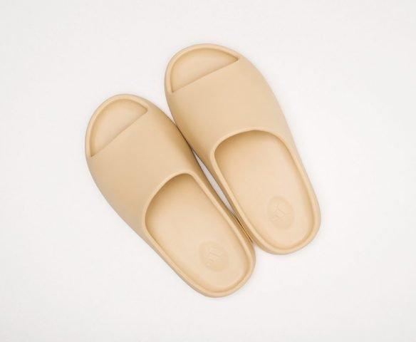 Сланцы Adidas Yeezy slide бежевые