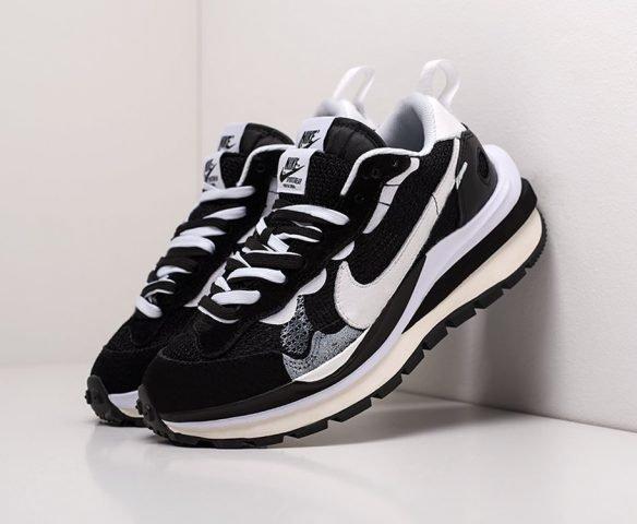 Sacai x Nike Vapor Waffle black-white