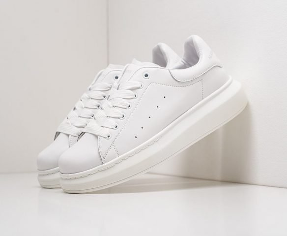 Alexander McQueen Lace-Up Sneaker low white