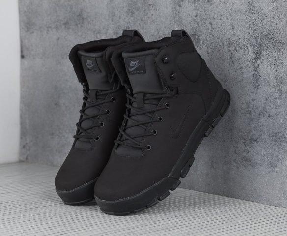 Ботинки Nike высокие черные
