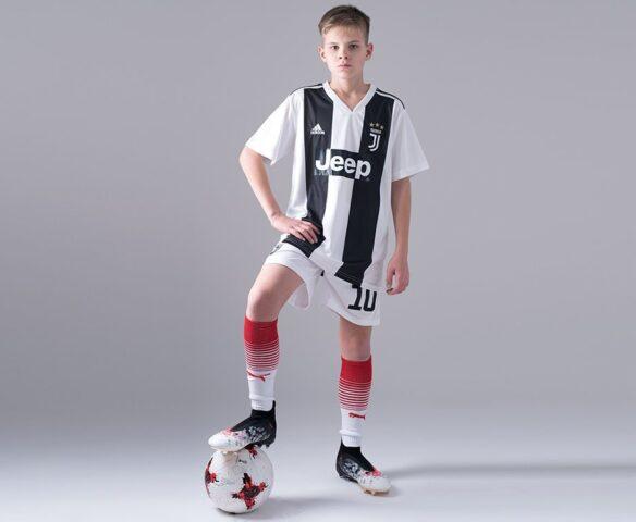 Футбольная форма Adidas FC Juventus белый