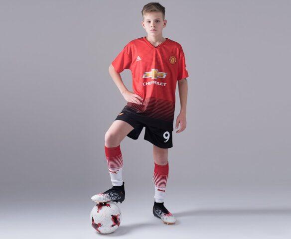 Футбольная форма Adidas FC Man Unt красная