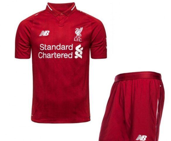Футбольная форма New Balance Liverpool FC красная