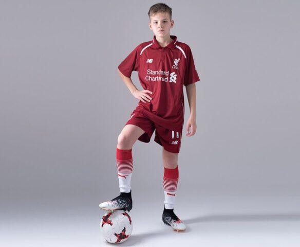 Футбольная форма New Balance Liverpool FC красный