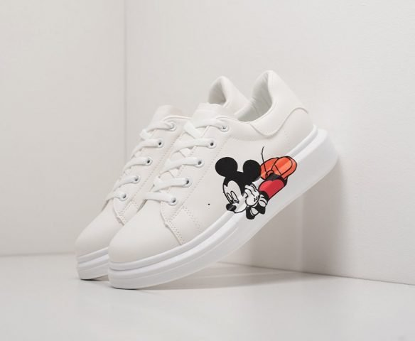 Alexander McQueen Lace-Up Sneaker white mickey