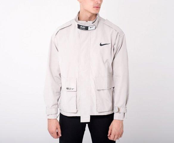 Куртка Nike бежевая