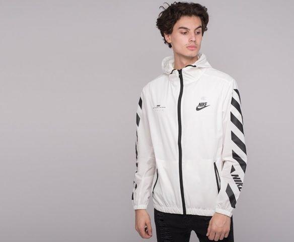 Белая ветровка Nike