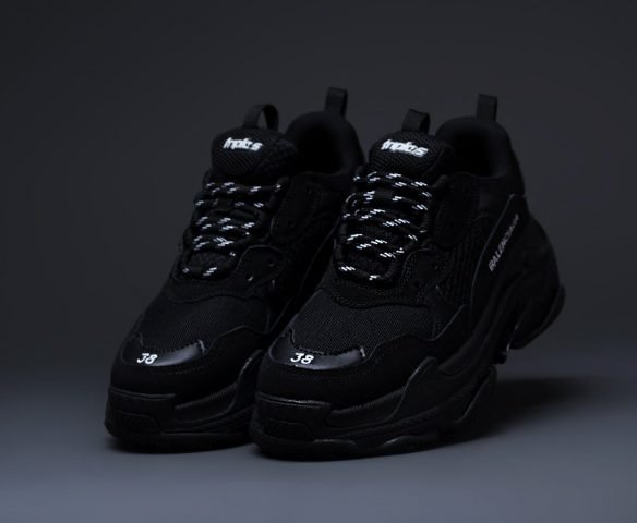 Balenciaga Triple S черные (black)