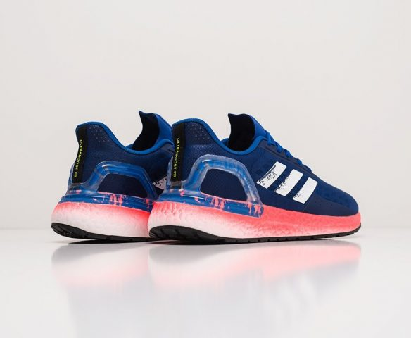 Adidas Ultra Boost 20 синие. Вид 3