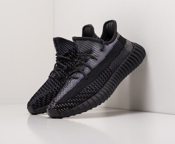 Adidas Yeezy 350 Boost v2 черные wmn